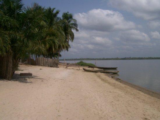 多哥湖旅游