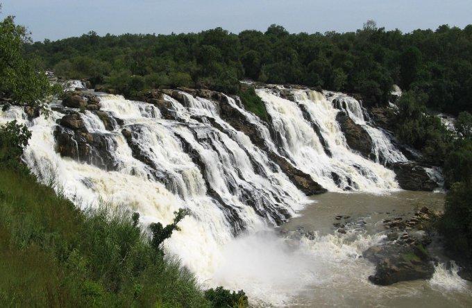 古拉拉瀑布旅游