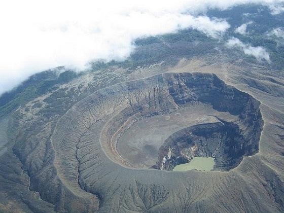 圣安娜火山旅游
