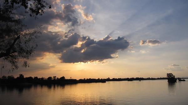 穿越湄公河 行走老挝体验宾至如归