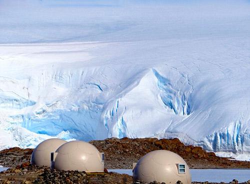 南极生态 在圆顶生态保温仓里看风景