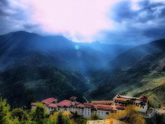 """神秘王国不丹 下一个""""香格里拉""""(图)"""